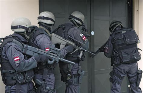 World Military and Police Forces: Austria