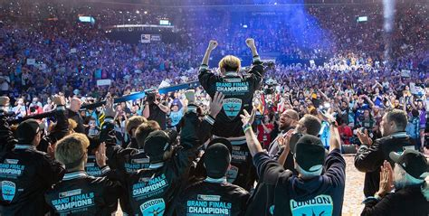 League of Legends: Here are your 2018 Esports Awards Group