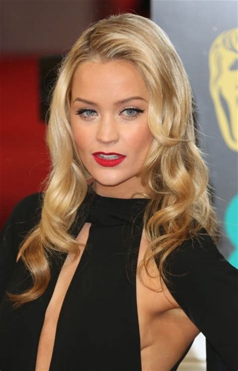 Laura Whitmore Bra Size, Age, Weight, Height, Measurements