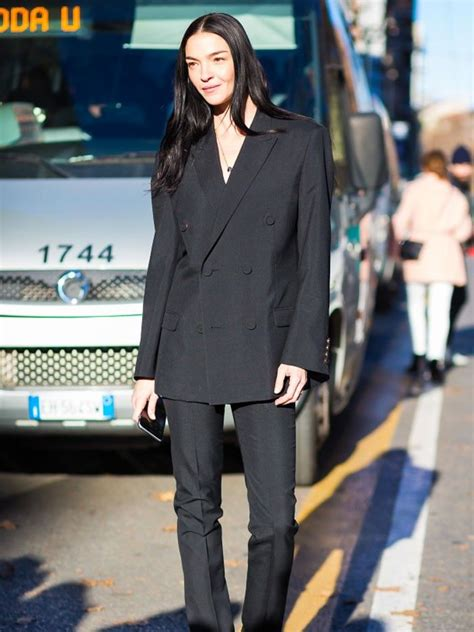 The One Thing Stylish Italian Women Never Wear | Who What Wear